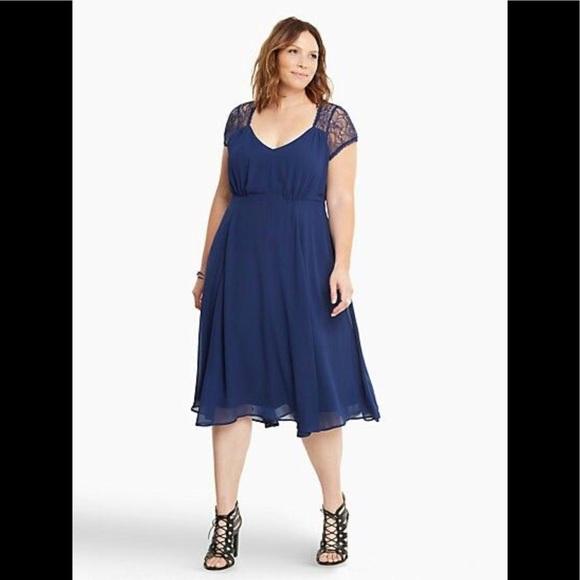 Torrid Womans Sz 18 Navy Lace Chiffon Dress